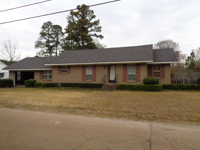 124 West South Street  Kosciusko, Ms 39090